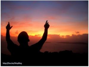 0422x-Sunrise-Hands-Lifted-High-Praise-700879_77376177